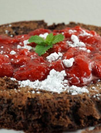 Low FODMAP chocolate flourless cake